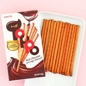 Lotte Toppo Vanilla Chocolate Pretzel Sticks